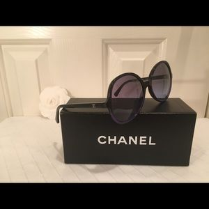 🖤💙Chanel Black and Blue Large Oval Hombre Shades
